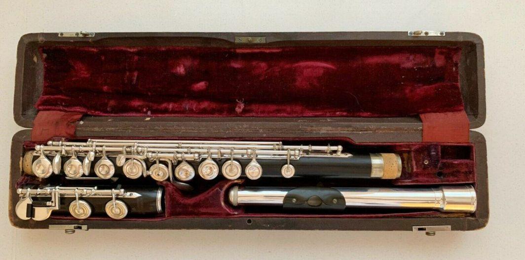 Hammig wooden flute