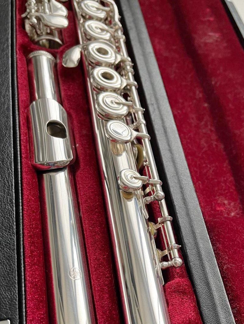 Yamaha YFL-581 Solid Silver Flute