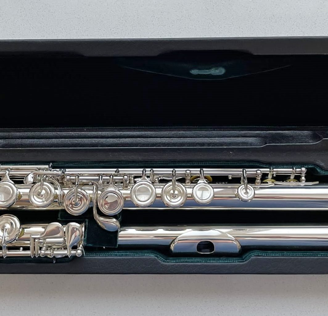 Altus 807 closed hole flute