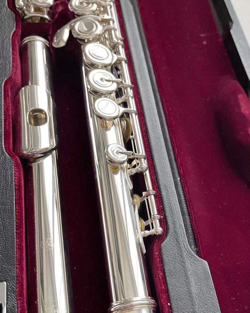 Yamaha Yfl-614 closed-hole flute